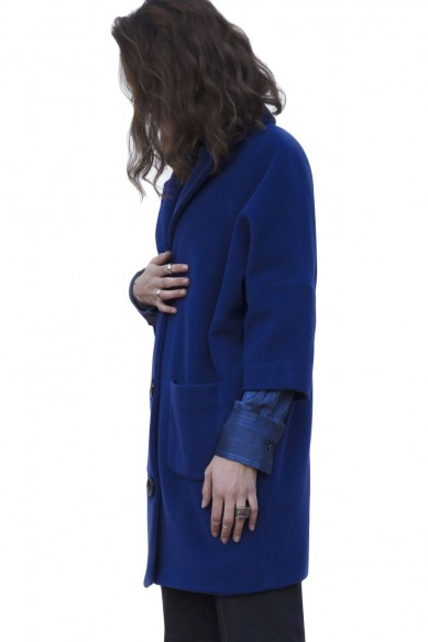Oversize coat with 3-4 sleeves